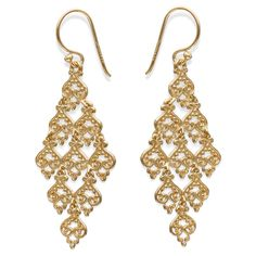 You can wear these classic gold earring by Treasure Lockets to your next everyday. Filigree Drop Kite Earring in Vermeil - Gold Prom Earrings, Wedding Earrings, Gold Earrings, Metal Jewelry, Vintage Jewelry, Arabic Jewelry, Jewelry Accessories, Jewelry Design, Women Accessories