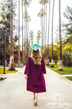 ASU Starbucks Scholar Senior Grad Graduation Picture Ideas in Tempe Arizona