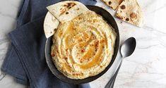 Χούμους από τον Άκη Πετρετζίκη. Φτιάξτε μόνοι σας την παραδοσιακή συνταγή από τη Μέση Ανατολή για τα πιο νόστιμα χούμους (hummus) που έχετε δοκιμάσει ποτέ!!! Confectionery Recipe, Hummus Recipe, What You Eat, Tahini, Kitchen Recipes, Dips, Garlic, Lemon, Snacks