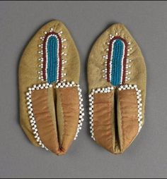 Pair of beaded moccasins for doll Fox or Shawnee ca. Shawnee Indians, Beaded Moccasins, Mountain Man, Yellow Leather, Native Art, White Beads, Beadwork, Beading, Shoe Boots
