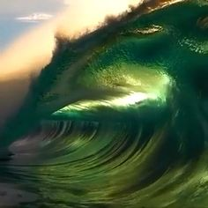 Stunning video of gorgeous waves illuminated by the sun. pictures ocean These waves are colored by the sun No Wave, Beautiful Ocean, Amazing Nature, Beautiful Beaches, Waves Photography, Nature Photography, Stunning Photography, Romantic Beach Photos, Famous Places In France