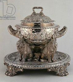 Soup Tureen, made for Rundell, Bridge and Rundell, 1816 (silver),   maker Paul Storr  (1771-1844)   for  His Grace The Duke of Norfolk, Arundel Castle / Bridgeman Images