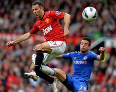 Giggs guides a volley wide before the break Manchester United Chelsea, Barclay Premier League, English Premier League, Sports Images, Old Trafford, Interesting News, Soccer Ball, The Unit, Football