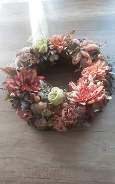 Handmade Products, Christmas Wreaths, Floral Wreath, Holiday Decor, Home Decor, Floral Crown, Decoration Home, Room Decor, Home Interior Design
