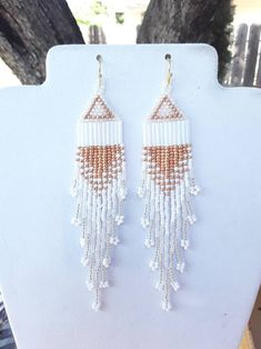 american style Fashion - Native American Style Beaded White Gold Silver Wedding Earrings Shoulder Duster 6 inch Southwestern, Boho Hippie Brick Stich Ready to Ship Beaded Earrings Native, Beaded Earrings Patterns, Native Beadwork, Seed Bead Earrings, Beaded Jewelry, Seed Beads, Bracelet Patterns, Native Beading Patterns, Diy Earrings