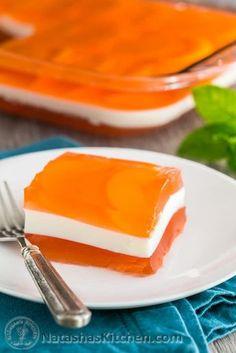 Peaches and Cream Jello Recipe, Layered Jello Recipe Jello Deserts, Jello Dessert Recipes, Gelatin Recipes, Dessert Salads, Jello Salads, Fruit Salads, Dessert Kabobs, Cake Recipes, Lime Desserts