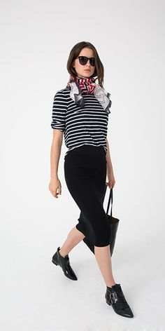 30 Days of Outfits: Tomboyish stripes in a low-key t-shirt + sexy skirt = the sort of effortless appeal we all aspire to. A scarf adds a touch of color.