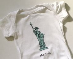 new york. statue of liberty baby onesie. nyc one piece. baby shower. new baby. newborn. infant bodysuit. baby clothes. layette. by alexandasher on Etsy