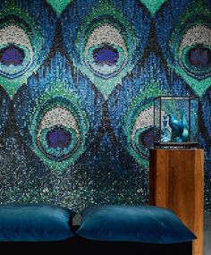Mosaic wall - WOW, that is so inventive and whoever did that is EXTREMELY talented! I wish I could mosaic my peacock-themed bedroom wall like that, but knowing me. Peacock Decor, Peacock Art, Peacock Painting, Peacock Theme, Peacock Feathers, Peacock Bedroom, Peacock Colors, Peacock Design, Mosaic Glass