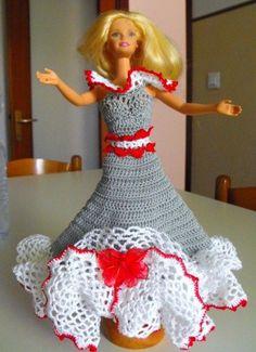 Vestito Barbie  da sera o ballo  ad uncinetto