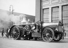 1912 New York Fire Department demonstration of a steam pumper converted from horse-drawn to motor-driven, at 12th Avenue and 56th Street. (Courtesy NYC Municipal Archives)