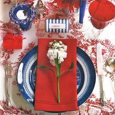 Set your Fourth of July table with red, white, and blue, but with Chinoiserie flair. This wonderful table setting from Joe Nye's book Flair. Patriotic Decorations, Table Decorations, Centerpieces, Patriotic Crafts, Patriotic Party, Blue Table Settings, Place Settings, Happy Fourth Of July, July 4th