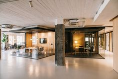 On the sixth floor of an office building in Barcelona, MESURA designs a new Coworking space with 750 square meters.The space has more than seventy work points, ten private offices, two meeting rooms, a common resting area and privileged views to work where the space becomes an inspiring...