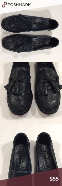 """Cole Haan Navy Blue Tassel Loafers Size 6.5 AA Brand: Cole Haan  Size: 6.5 AA  Category: Loafers  Description: Very soft leather with cute tassels  Condition: Good pre-loved condition, some wear on soles  Fabric: Leather  Heel Height: .5""""  Item #900  #Poshmark #Poshmarkapp #Poshmarkcloset  Bundle Discount Available!! Cole Haan Shoes Flats & Loafers"""