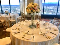 Grand Hyatt Denver | Pinnacle Club Wedding #GrandHyattDenver #PinnacleClub #DenverWedding #WeddingTable