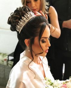 64 Trendy Wedding Hairstyles Updo With Veil Headpieces Beautiful Bridal Hair Updo, Wedding Hair And Makeup, Wedding Beauty, Bridal Headpieces, Hair Makeup, Quince Hairstyles, Crown Hairstyles, Bride Hairstyles, Quinceanera Hairstyles