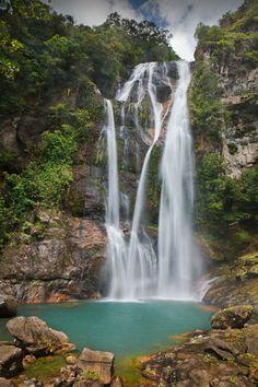 Cunca Rami waterfall, Flores / Indonesia (by Dani Stein).