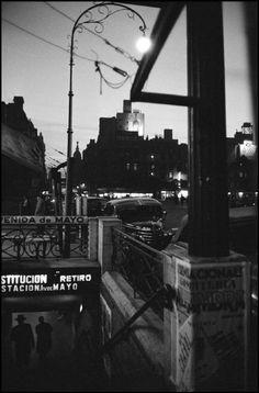 Buenos Aires, entrada al subte, 1958