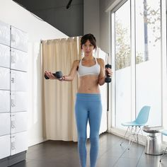 Add some weights to your workout to build more metabolism-boosting muscle. This circuit workout will help you get sleek and strong. Bicep Workout Women, Arm Workout Women With Weights, Biceps Workout, Full Body Circuit Workout, Dumbbell Workout At Home, At Home Workouts, Body Workouts, Fitness Marshall, Dance Routines