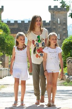 Queen Letizia with her daughter Leonor and Sofia.
