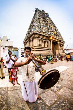Nadhaswaram, a Tamil instrument - Kapaleeswarar temple - Chennai, INDIA Chennai, Temple Indien, Taj Mahal, Kerala, Indus Valley Civilization, Bay Of Bengal, Amazing India, India Culture, Indian Architecture
