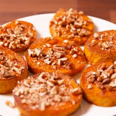 Pimp out your sweet potatoes with maple syrup and pecans. Get the recipe a Sweet Potato Pecan, Sweet Potato Casserole, Sweet Potato Recipes, Thanksgiving Recipes, Fall Recipes, Holiday Recipes, Tasty Videos, Food Videos, Exotic Food