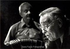 by Sara Facio - Astor Piazzola y el Polaco Goyeneche Eugene Richards, Paul Verlaine, Tango Art, Helen Levitt, Tango Dancers, Robert Frank, Famous Photos, Argentine Tango, Global Citizen