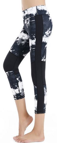 Women's Sretchy Printed Cropped Leggings with Covert Pocket