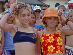 mary kate and ashley Ashley Mary Kate Olsen, Ashley Olsen, Cute Casual Outfits, Summer Outfits, Divas, Olsen Twins Style, Early 2000s Fashion, Malibu Barbie, Summer Aesthetic