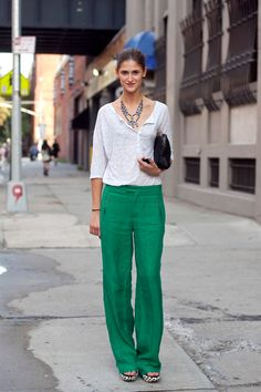 Those green pants looks so fresh with a basic white top.