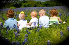 Bluebonnet pics-we need a picture like this, too cute!