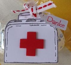 Erste Hilfe, Genesungswünsche, Gute Besserung, rotes Kreuz,