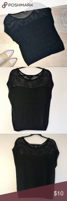 """Mossimo knit extended shoulder short sleeve top Short extended shoulder sleeve knit top. Top section is a very open-knit/mesh, showing skin through. Has a loose fit. In great condition!   Size: Medium   Color: Black    Fabric: 100% Linen   Measurements: Ab rmpit to armpit- 19.25"""", length- 24"""", sleeve/shoulder length (from neck)- 8"""" (measurements are approximate and taken with garment lying flat)  ***Bundle and get FREE SHIPPING when you spend $40 in my closet!*** Mossimo Supply Co. Tops…"""