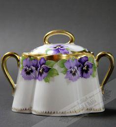 Viktoria Luise Chrysantheme Sugar Pot**