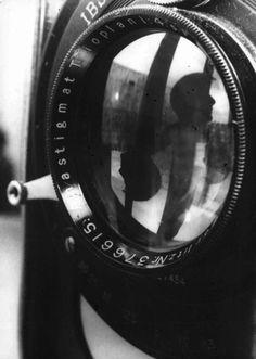 Wally Elenbaas      Self-portrait      1938