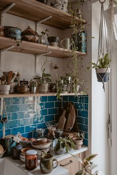 Below are the Bohemian Style Kitchen Design Ideas. This article about Bohemian Style Kitchen Design Ideas was posted under the … Modern Country, Country Decor, Vintage Home Decor, Diy Home Decor, Decor Crafts, New Kitchen, Kitchen Decor, Kitchen Plants, Kitchen Ideas
