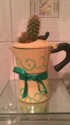 Idea per riutilizzare una caffettiera rotta