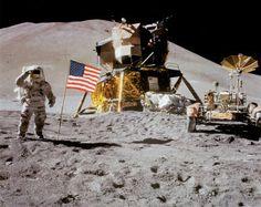 NASA- Astronaute, Rover, drapeau sur la lune
