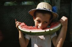 Studies show that eating watermelon reduces athletes' muscle pain and has many other health benefits.