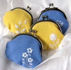 designer handbags for less, cheap leather handbags, cheap name brand purses, inexpensive handbags Coin Purse Pattern, Coin Purse Tutorial, Purse Patterns, Cheap Handbags Online, Handbags Online Shopping, Cute Purses, Purses And Bags, Trendy Purses, Frame Purse