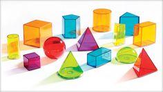 Trunchiul de piramidă regulată este poliedrul obţinut în urma secţionării unei piramide regulate cu un plan paralel cu baza, eliminând piramida ce se formează la vârf. Înălţimea trunchiului este segmentul care uneşte centrele bazelor. Apotema trunchiului este înălţimea unei feţe ...