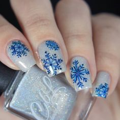 Let's start the winter vibe with a freehand snowflake nail art! I used Winter 2015 collection polishes: Fairy Dust, Ice Ice Baby and Peacock Parade. Nail Art Images, 3d Nail Art, 3d Nails, Nail Polish Designs, Cool Nail Designs, Winter Nail Art, Winter Nails, Christmas Nail Art Designs, Christmas Nails