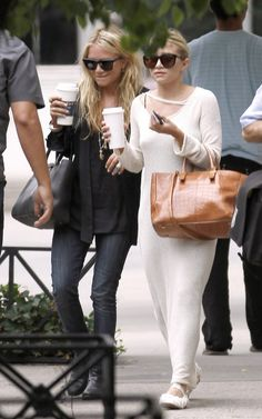 black and white mary kate and ashley olsen twins style