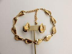 Coro Pegasus Gold Tone Leaf Choker Necklace and Screw Back Earrings Set
