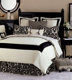 Tan walls with black and white bedding, just needs 1 red pillow Bed Sets, Home Bedroom, Bedroom Decor, Bedroom Colors, Master Bedroom, Bedroom Ideas, Black White Bedding, White Damask, White Bedroom Design