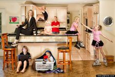 Justin Van Leeuwen, an Ottawa based photographer, has created a collection of 'extreme' family photos with eye-popping poses. Family Goals, Family Life, Kids And Parenting, Parenting Hacks, Practical Parenting, Big Family Quotes, Letting Go Of Ego, Panama City, Raising Kids