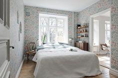 El estilo nórdico conoce al papel pintado. Scandinavian Apartment, Scandinavian Style, Scandinavian Interiors, Hygge, Gravity Home, Bedroom Office, Decorating Blogs, Beautiful Homes, Sweet Home