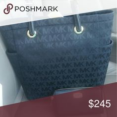 Michael kors auth new bag n wallet set Retails 300 Nw wth tags bag n wallet set wow hotttt Michael kors  Bags Shoulder Bags