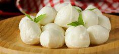 Cum sa faci mozzarella acasa Mozzarella, Garlic, Vegetables, Food, Dairy, Film, Veggies, Veggie Food, Meals
