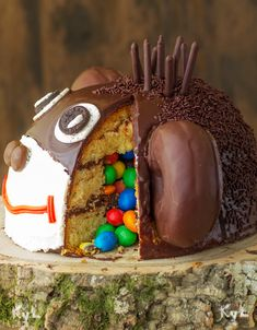 Find images and videos about food, sweet and chocolate on We Heart It - the app to get lost in what you love. Vegan Chocolate, Chocolate Peanut Butter, Pastel Cakes, Pinata Cake, Food Humor, Health Desserts, Creative Cakes, Cakes And More, Caramel Apples